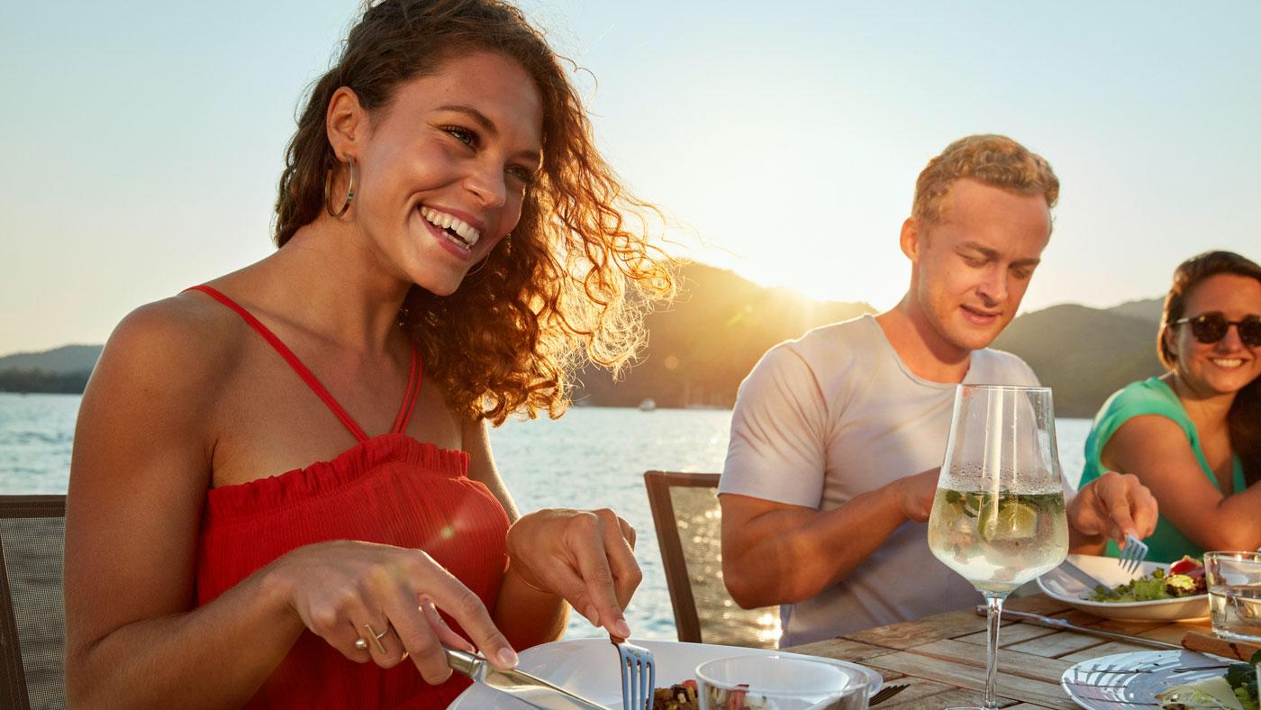 In den TUI BLUE Hotels erwarten euch lokal inspirierte Restaurantkonzepte mit landestypischen Spezialitäten