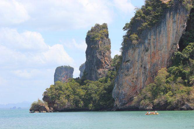 Kartsteinfelsen auf Koh Phi Phi