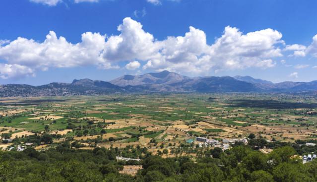 Die Lasithi-Hochebene bietet einen tollen Ausblick ins Tal