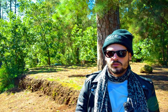 Wie immer stylisch: Manuel Cortez 2015 auf den Kanaren, welche er zusammen mit Sebastian Deyle im Rahmen von HOTSPOT - Das TUI Reisemagazin erkundete