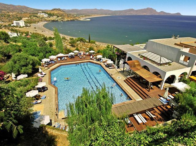 Das wundervolle Lindos Mare in Griechenland liegt direkt am Meer.