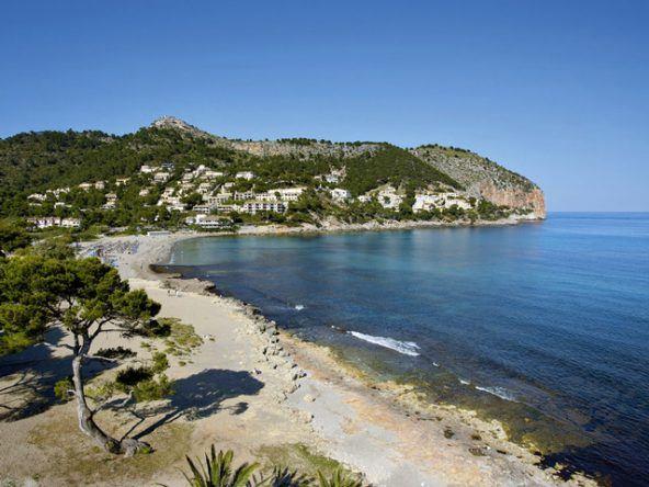 Das Melbeach Hotel Spa fügt sich schön in die atemberaubende Landschaft Mallorcas ein