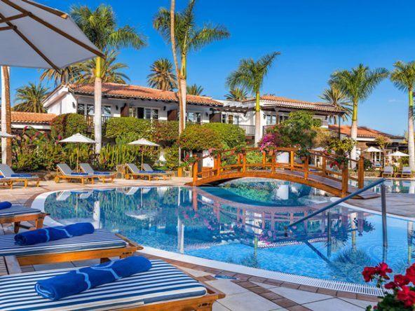 Im spanischen-kolonialen Stil überzeugt das Seaside Grand Hotel Residencia durch eine traumhafte Lage direkt am Sandstrand.