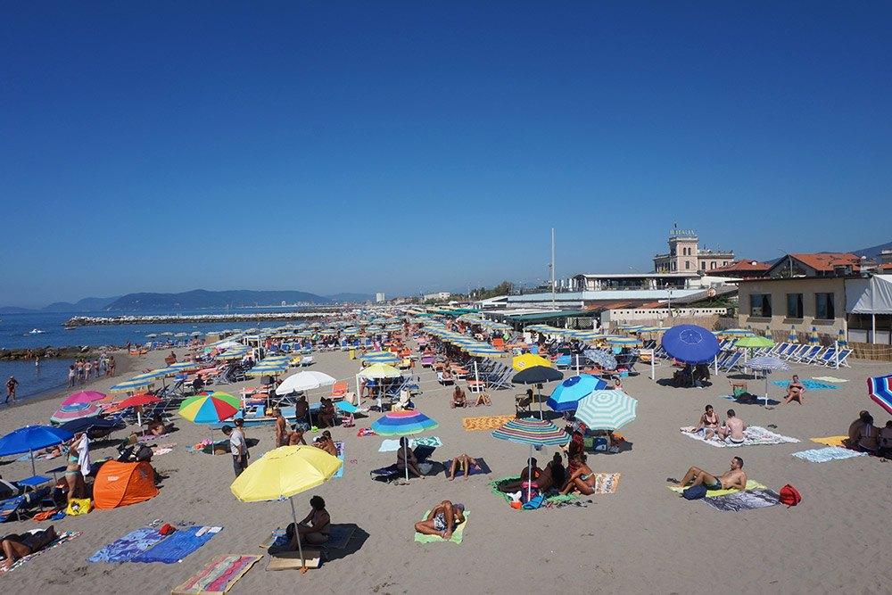 Am Strand von Massa