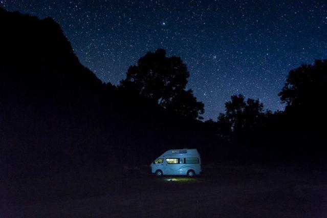 Camper unterm Sternenhimmel