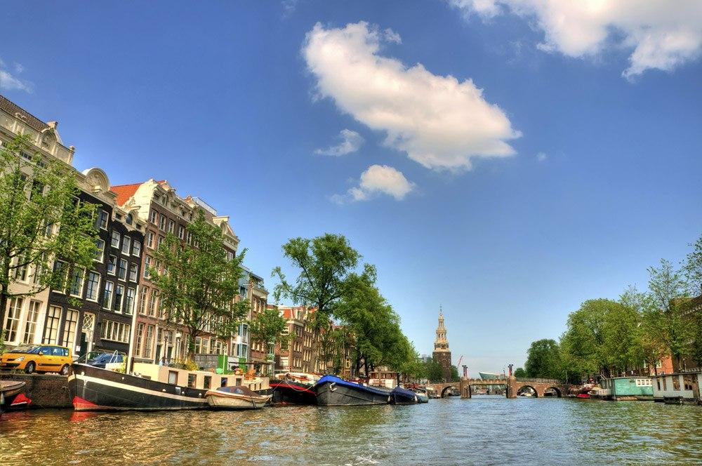 Typisch Amsterdam mit seinen Grachten