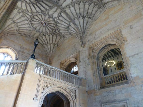 Sieht aus wie in Hogwarts! Der Weg zur Dining Hall in der Christ Church in Oxford