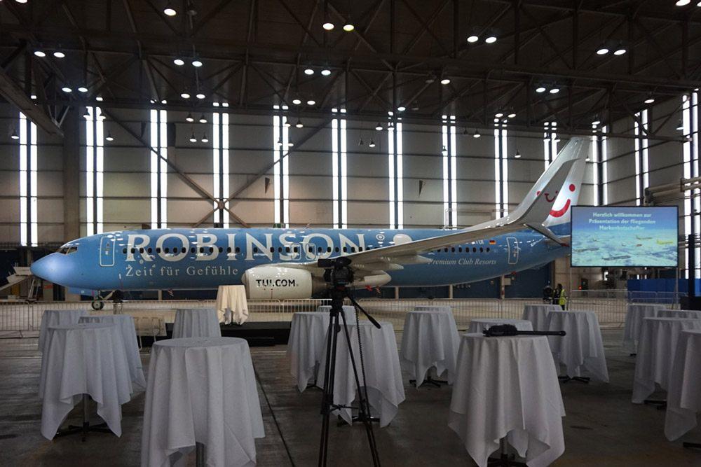 Der neue TUI Markenbotschafter: Die TUIfly Maschine der Hotelmarke Robinson