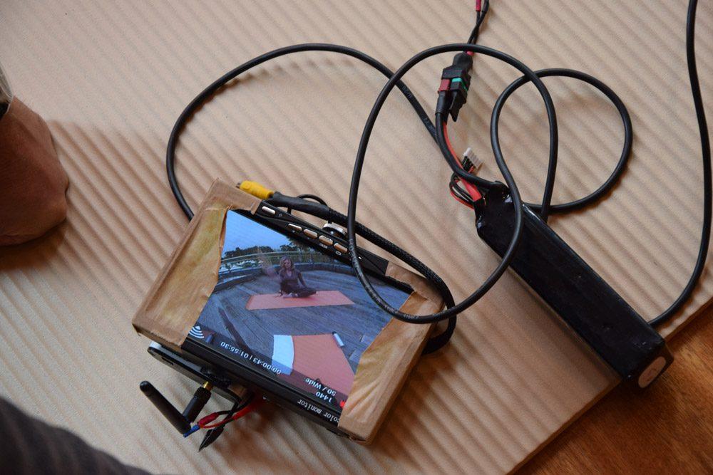 Über den Monitor kann das Bild der 360 Grad Kamera mitverfolgt werden