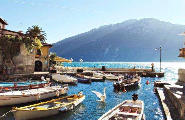 Limone - malerischer Urlaubsort in Italien am nordwestlichen Ufer des Gardasee
