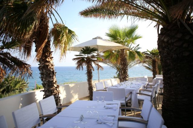 Essen mit Meerblick im ROBINSON Club Daidalos