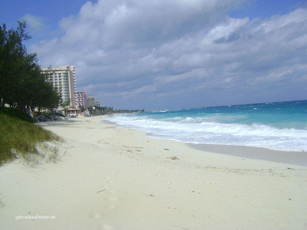 Strand beim RIU Palace Paradise Island, wenn keine Kreuzfahrtgäste da sind