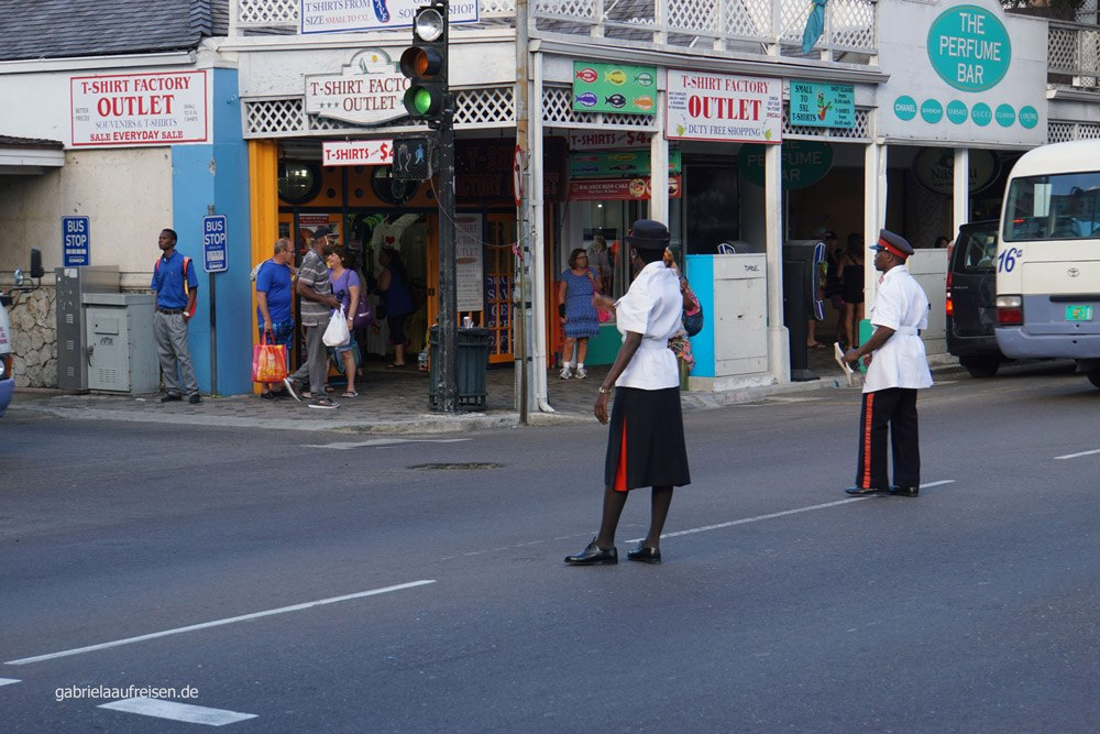 auf Nassaus Straßen