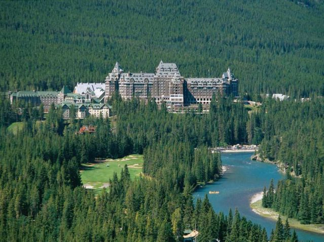 the-fairmont-banff-springs-hotel-alberta-kanada
