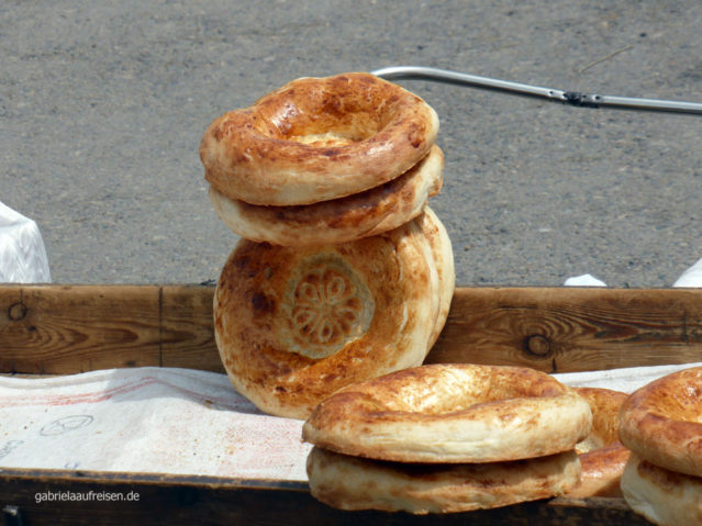 typisch usbekisches Brot