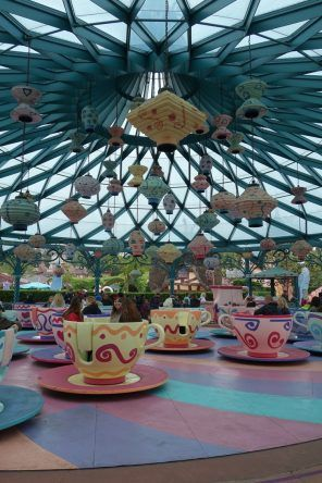 Es geht rund in Alice' Karussel
