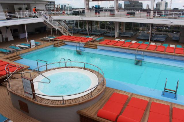 25-Meter-Pool