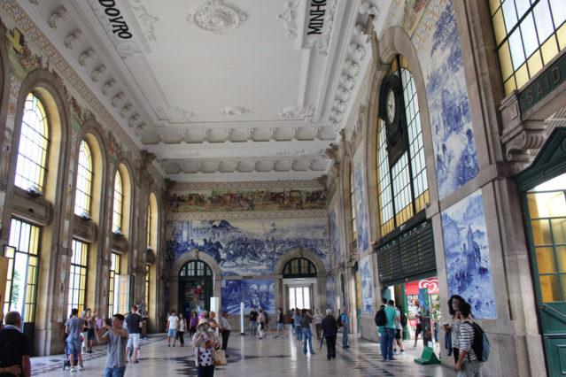 Kunstvoll: Bahnhof São Bento