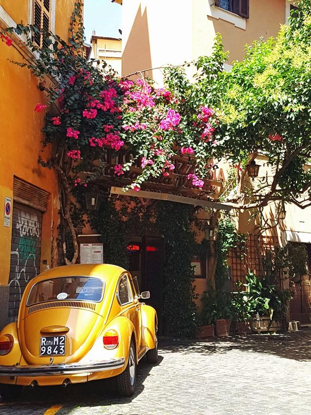 Traumhafte Farben in den Gassen von Trastevere