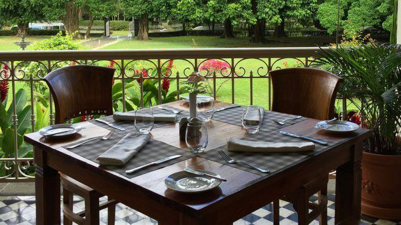 Lunchtime auf Mauritius mit wunderschönem Ausblick.