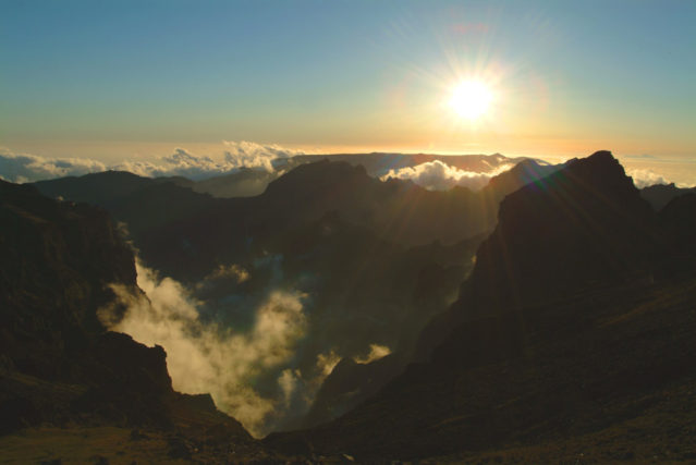 Spektakuläre Aussicht vom höchsten Berg Madeiras, dem Pico Ruivo