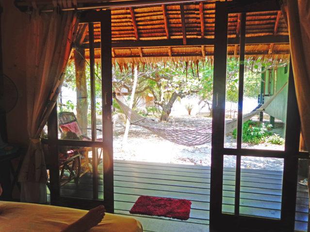 Abhängen auf der Terrasse auf Ko Phayam