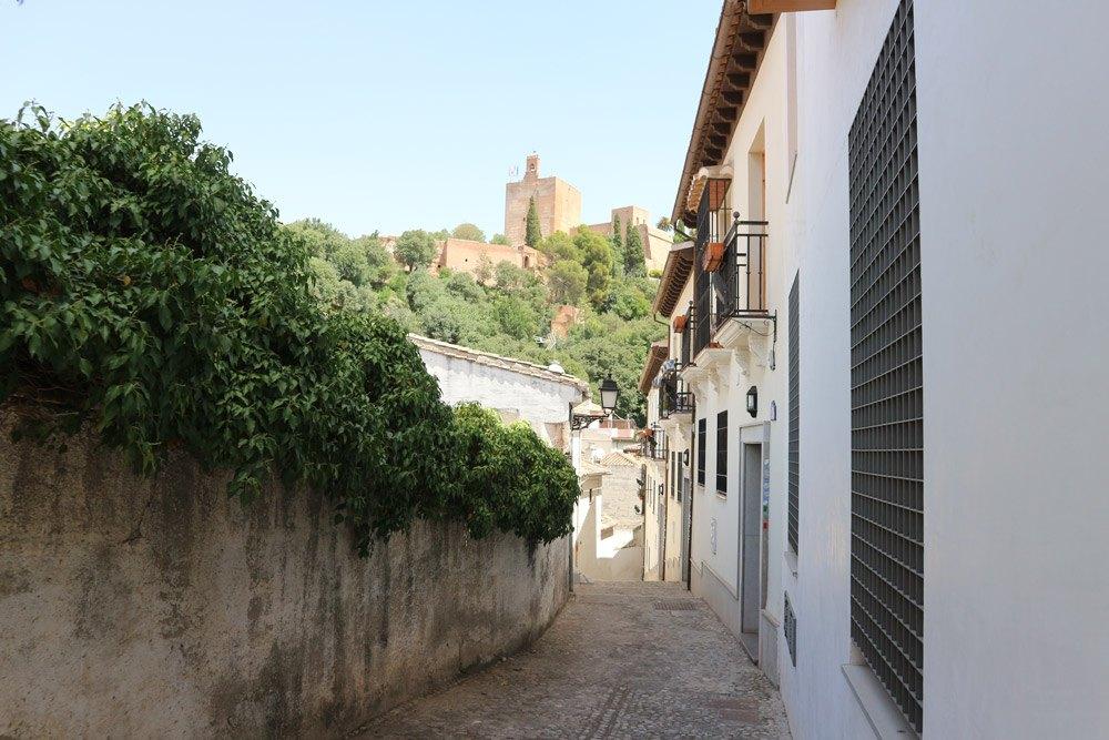 Im Automatikmodus geknipst: Blick auf Alhambra von der Altstadt Granadas