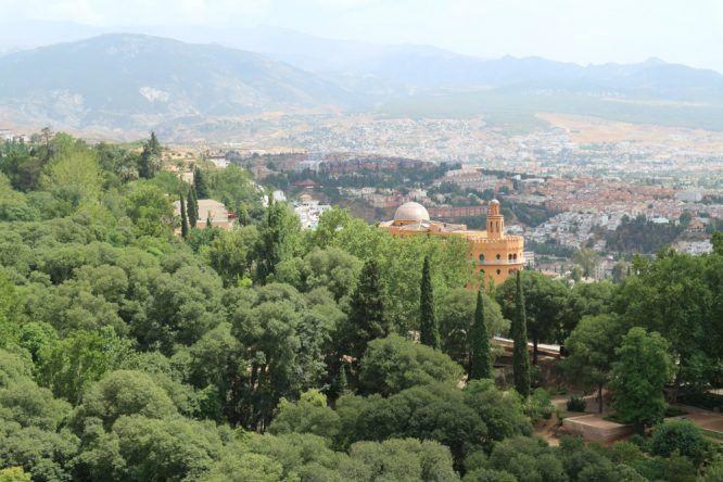 Der Blick nach Granada von Alhambra