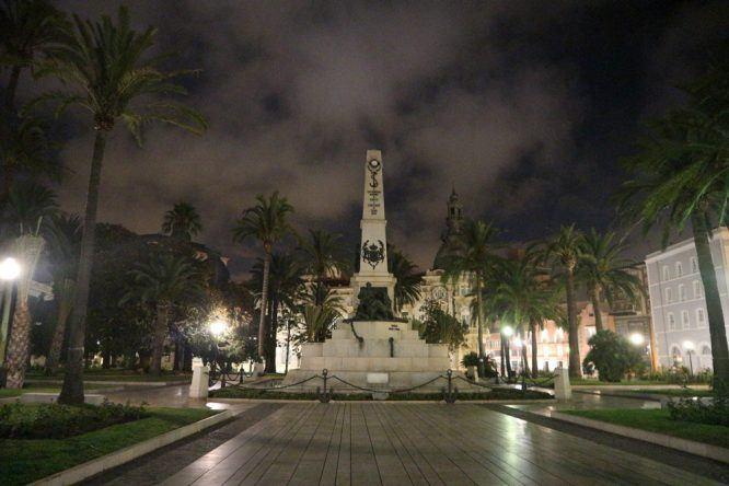 Cartagenas Denkmal für die gefallenen Soldaten im Spanisch-Amerikanischer Krieg 1898, direkt gegenüber vom Hafen