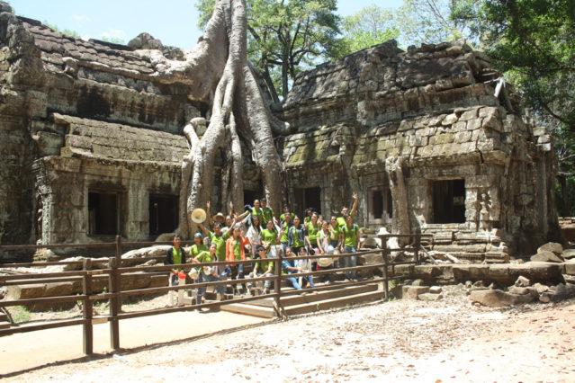 """Auch beim Besuch von Angkor ist das """"Going Green"""" Shirt natürlich mit dabei!"""