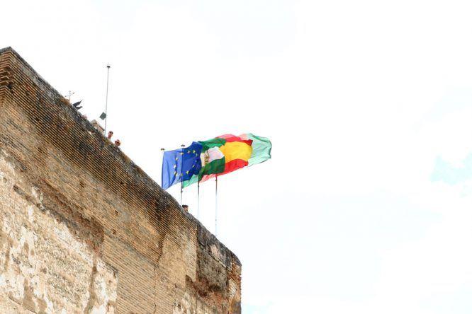 Flaggen auf Alhambra