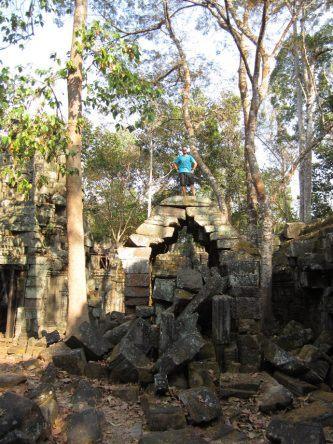 Klettern + entdecken ist in den meisten Tempeln Angkors noch erlaubt