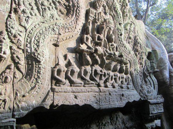 Gut erhaltene Verzierungen findet man fast an jeddem Tempel