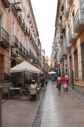 Die Calle Navas ist ein super Ort, um in entspannter Atmosphäre Tapas zu essen