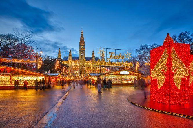 Weihnachtsmarkt am Rathausplatz