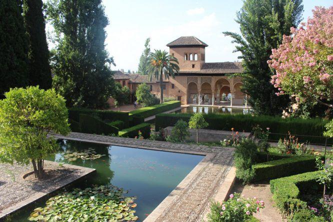 Der wunderschöne Garten des Palacio Nazaries