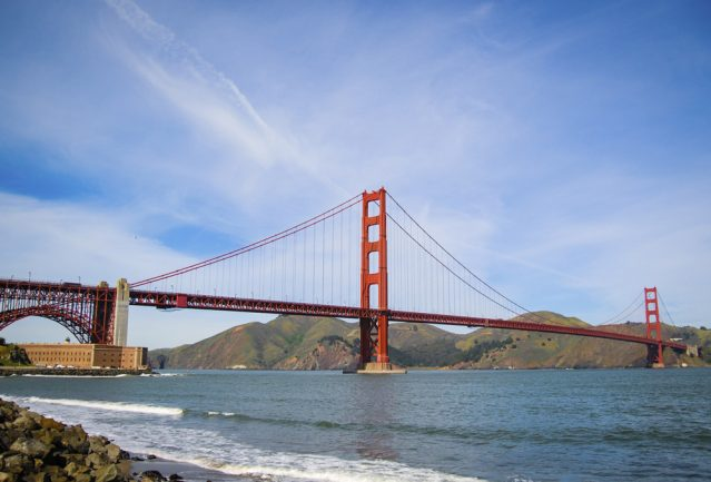 Die berühmte Golden Gate Bridge in San Francisco