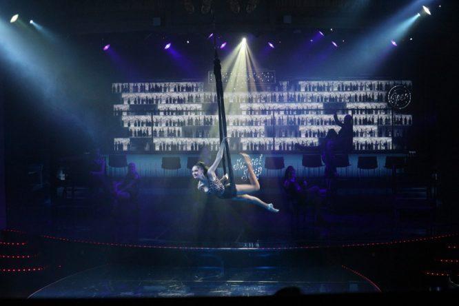 Sogar mit Akrobatik!