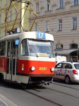 Die Straßenbahn gehört zum Stadtbild Prags!