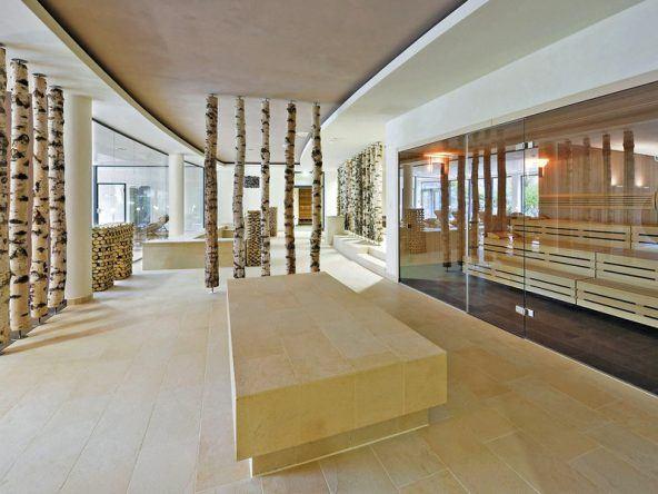 Saunalandschaft im Travel Charme Ifen Hotel