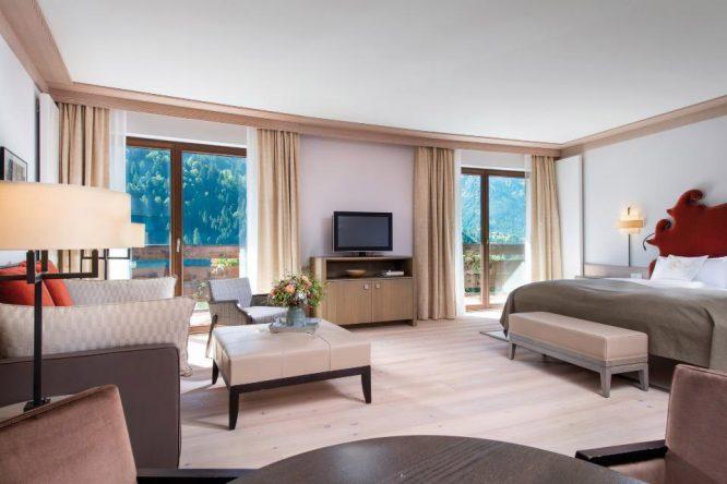 Zimmerbeispiel im Travel Charme Ifen Hotel