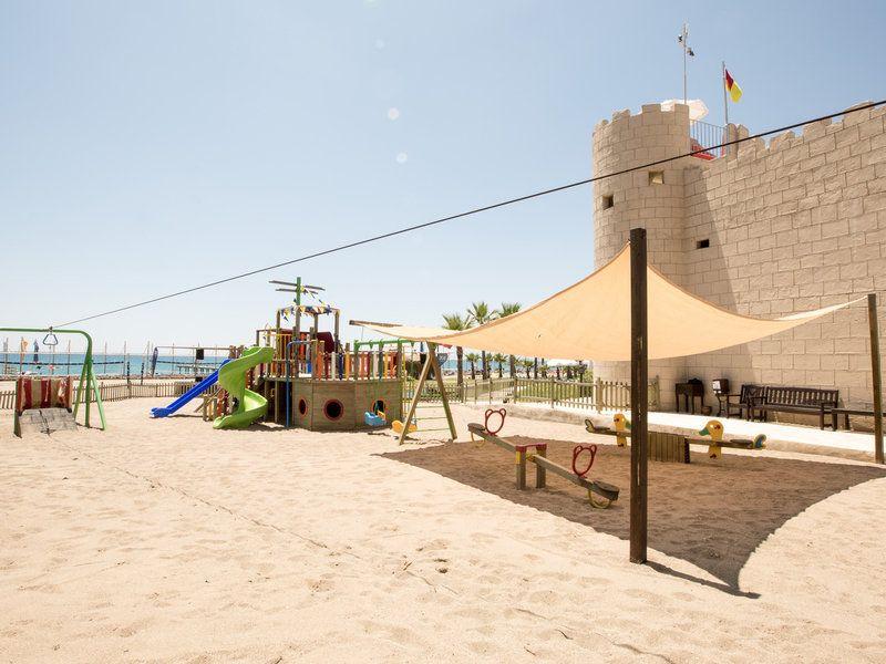 Herumtollen können die Kids auf dem Kinderspielplatz im TUI BLUE Palm Garden