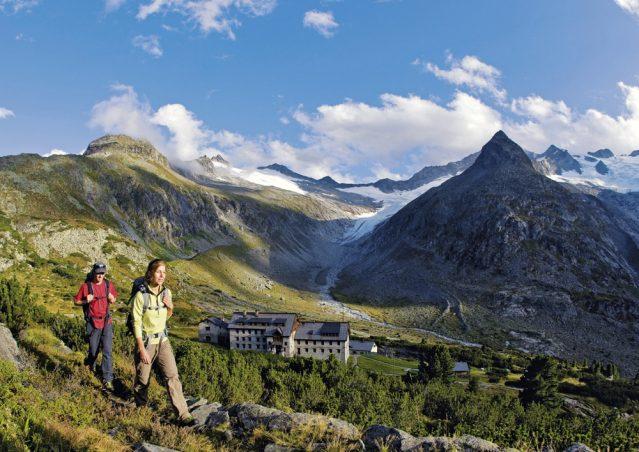 In den Bergen Österreichs wandern: Eine wundervolle Idylle