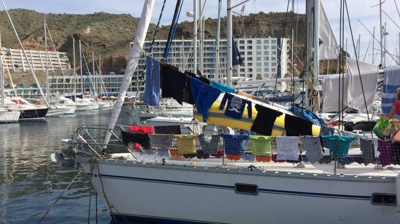 Segelboot am Hafenkai