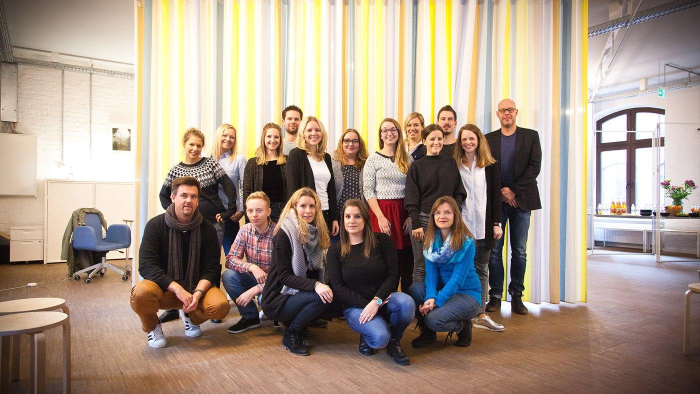 Say Cheese! Gruppenfoto mit allen Teilnehmern des Blogworkshops