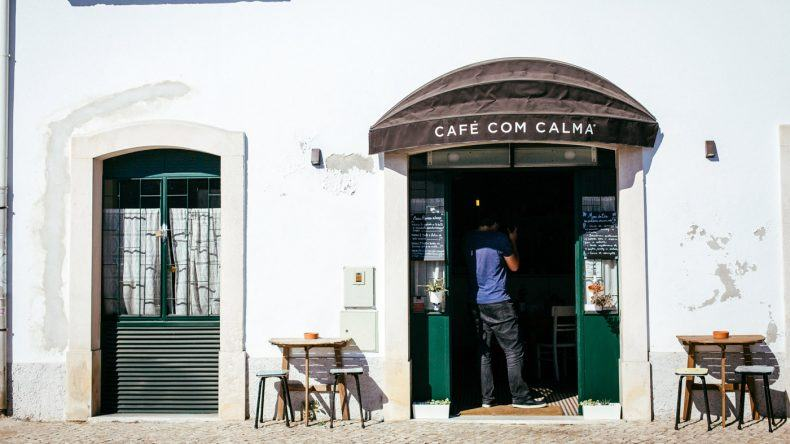 Café com Calma von außen (Fotocredit: Thea Neubauer)