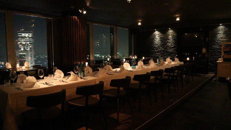 Was für ein Tisch! Gleich erwartet uns ein köstliches 4-Gänge Menü im PURO