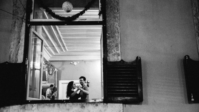 tanzende Menschen in der Casa de Linhares