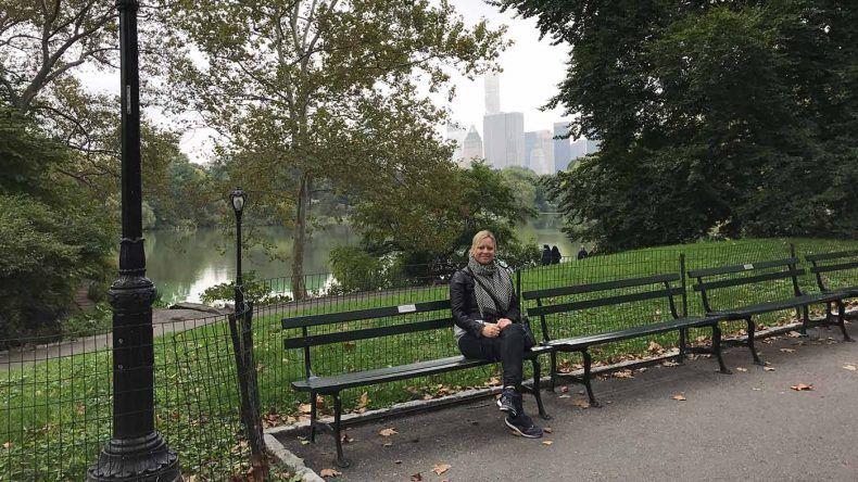 Kennt jeder: Parkbank mit Kuliisse im Central Park.