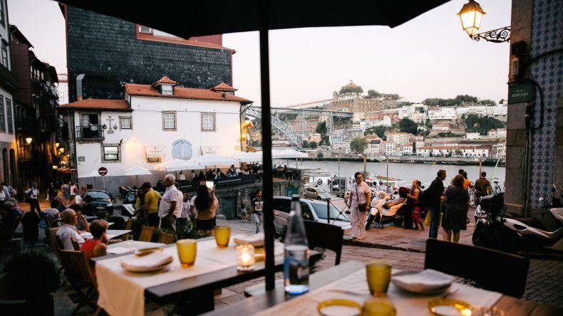 Bester Ausblick vom ODE Wine House in Porto (Copyright: ohhedwig)